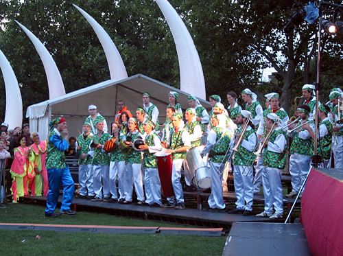 rotc with mandinga arts @ thames festival 2004